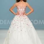 1399545169-barcelona-bridal-week-2014-cymbeline-catwalk-collection-2015_4679357